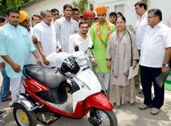 Chief Minister Vasundhara Raje launched App Bagru legislator