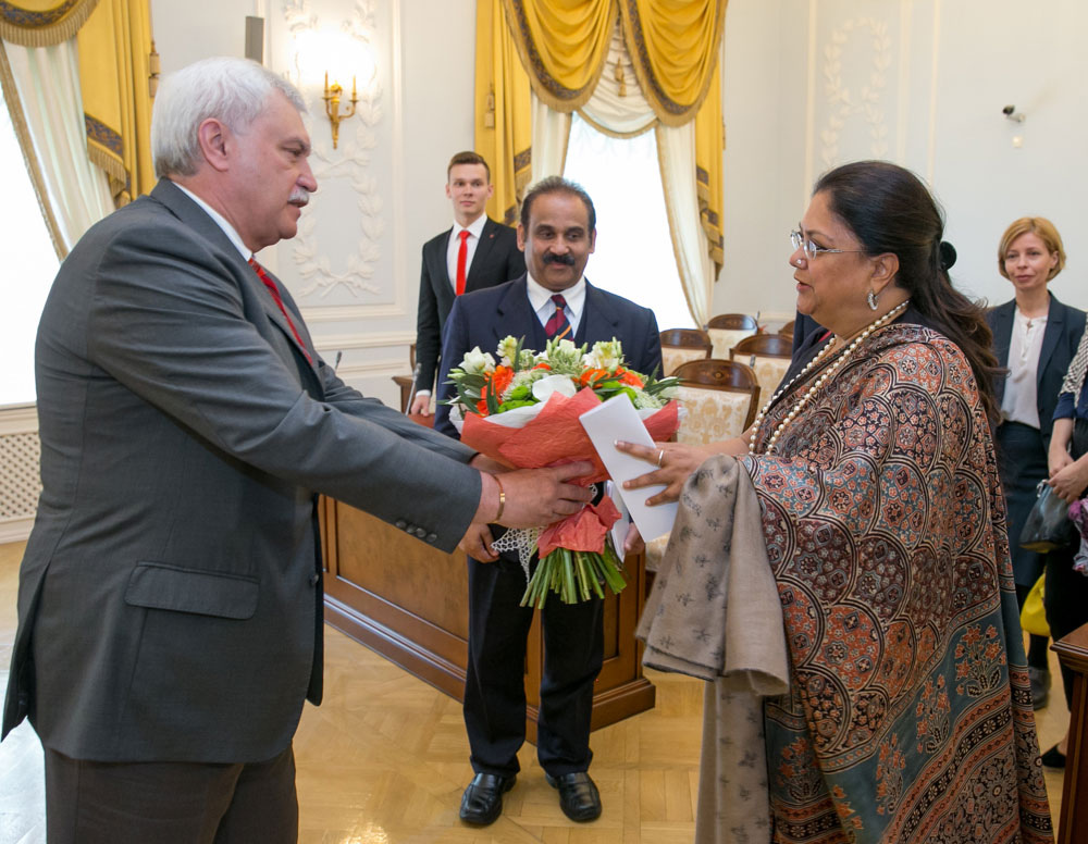 CM Vasundhara Raje Meets Governor of St. Petersburg - Russia Visit