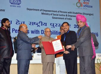 cm director sje receiving award03122016