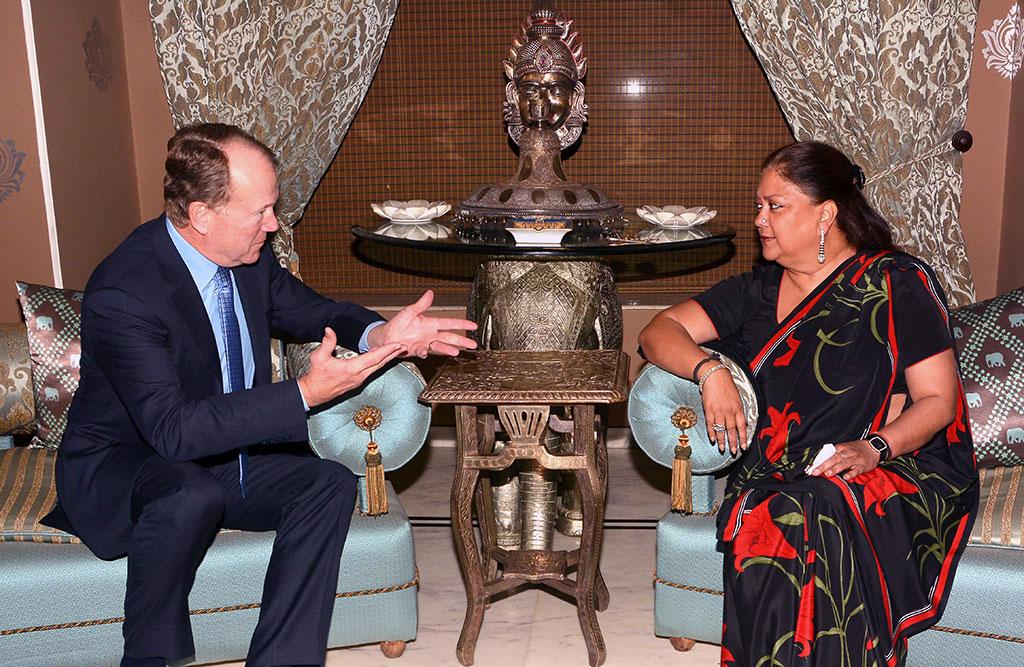 Cisco Executive Chairman Meets CM