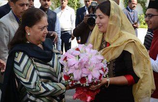मुख्यमंत्री ने किया 'तालीम से तरक्की की ओर' पुस्तिका का विमोचन