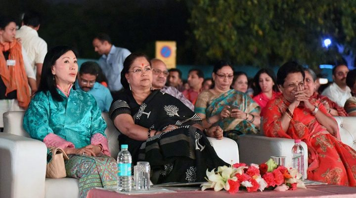 मुख्यमंत्री ने अल्बर्ट हॉल पर आयोजित सांस्कृतिक संध्या में शिरकत की