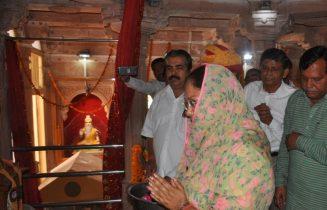 मुख्यमंत्री ने आसोतरा ब्रह्मधाम में की पूजा अर्चना