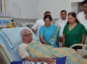 cm inquires on health of shri bhanwar lal sharma sms hospital