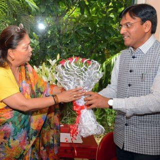 मुख्यमंत्री से केन्द्रीय रसायन एवं उर्वरक राज्यमंत्री ने मुलाकात की