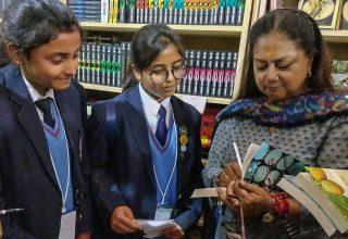 cm at jaipur literature festival 02