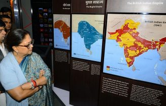 vasundhara-raje-mobile-digital-exhibition-One-India-Sardar-Vallabhbhai-Patel-CMA_3288