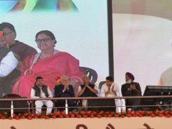 vasundhara-raje-narendra-modi-barmer-refinery-inauguration-CMP_7745