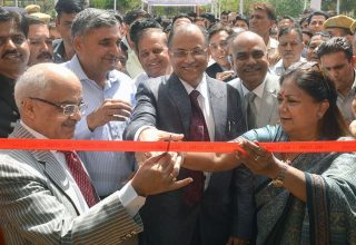 cm inaugurates e library in high court premises CMP_8999