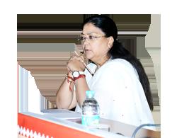 श्रीमती वसुंधरा राजे, राज्य के विकास के बारे में अपनी भावनाएं व्यक्त करती हैं...