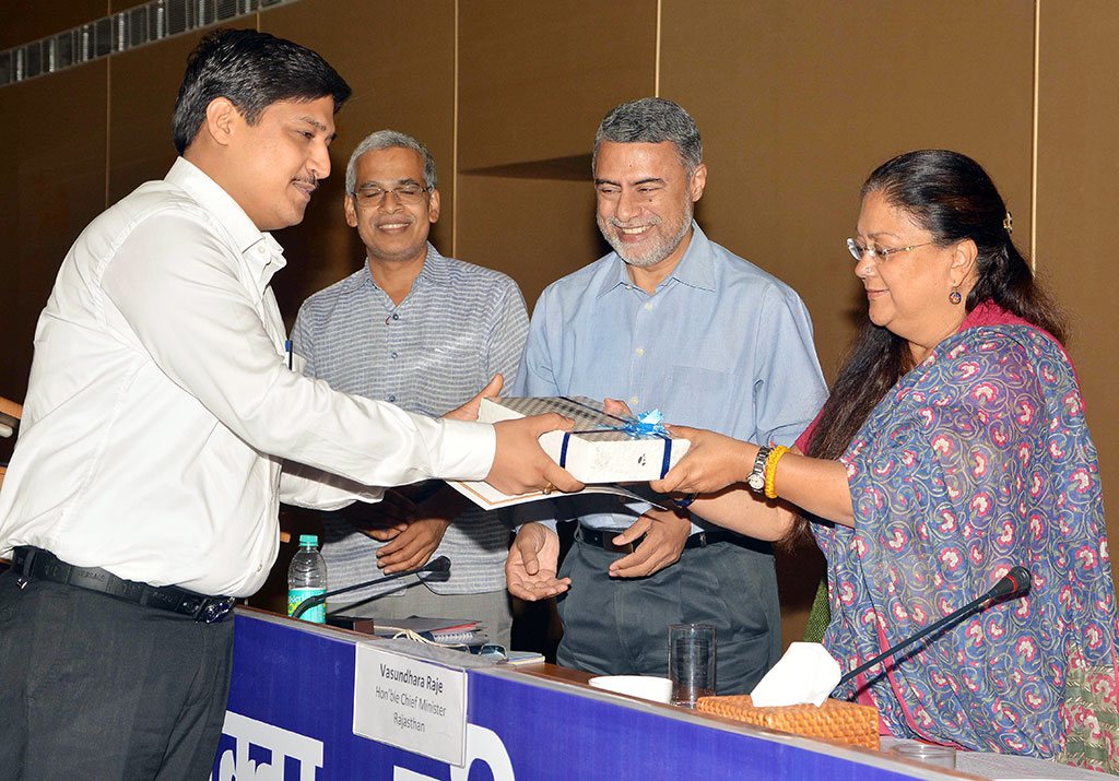 Collector-SP Conference-cm-Vasundhara Raje