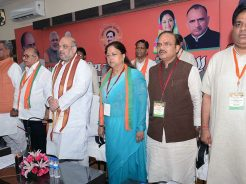 vasundhara-raje-meeting-amit-shah-at-bjp-office-rajasthan-with-ministers-CMA_6765