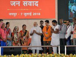 narendra-modi-and-vasundhara-raje-jaipur-beneficiaries-meeting-CMP_7736