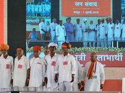 narendra-modi-and-vasundhara-raje-jaipur-beneficiaries-meeting-CMP_7753