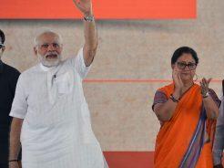 narendra-modi-and-vasundhara-raje-jaipur-beneficiaries-meeting-CMP_7883