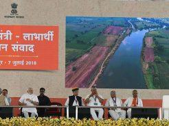 pm-narendra-modi-cm-vasundhara-raje-jaipur-beneficiaries-meeting-CLP_0974